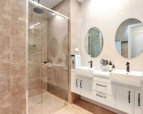 photos-bathroom-new-low (3)